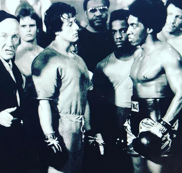 Sylvester Stallone nos bastidores de Rocky (Foto: Instagram)