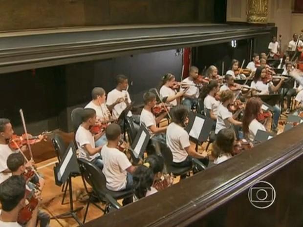 Música e emoção: Mais Você realiza sonho de 53 crianças de comunidades (Foto: Mais Você / TV Globo)