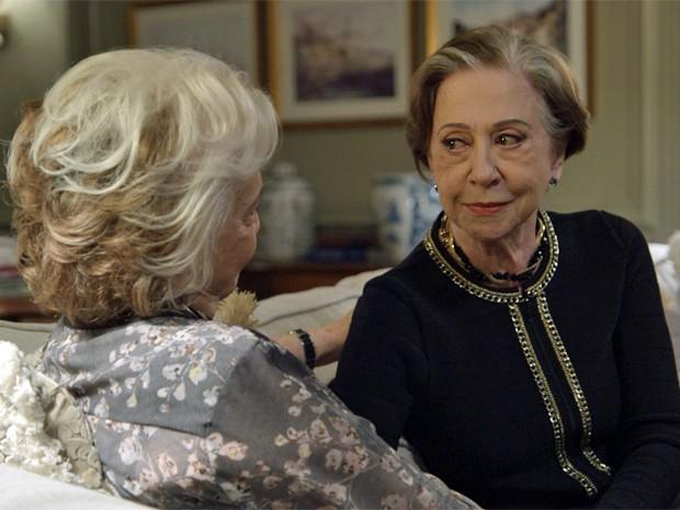 Estela decide dar mais uma chance a Teresa (Foto: TV Globo)