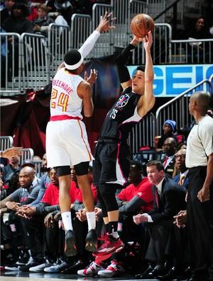 Austin Rivers arremessa pelos Clippers (Foto: Scott Cunningham/NBAE)