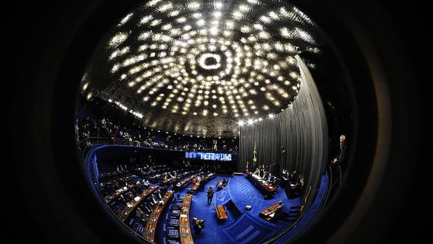 Plenário do Senado após oito horas da sessão que julga o processo de impeachment de Dilma Rousseff (Foto: Jonas Pereira/Agência Senado)
