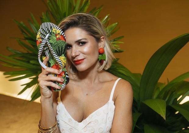 Juliana Santos tem nova collab com a Ipanema (Foto: Divulgação)