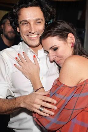 Glenda Kozlowski e o marido, Luis Tepedino, em festa na Zona Sul do Rio (Foto: Ari Kaye/ Divulgação)