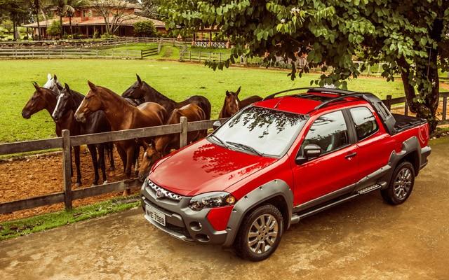 Fiat Strada Adventure 1.8 16V Cabine Dupla Mangalarga Marchador (Foto: Divulgação)