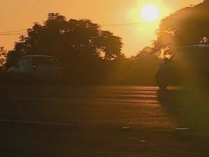 Movimento nas estradas já começou cedo nesta quinta (24) (Foto: Reprodução/RBS TV)