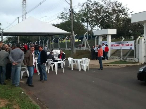Paralisação começou nesta quinta-feira (30), em 11 seses, além de Jaguariúna (Foto: Jozé Luiz Zetula )
