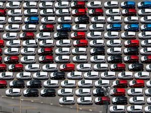 -HN- Carros no pátio da montadora Ford em São José dos Campos, no interior de São Paulo (Foto: Paulo Whitaker/Reuters)
