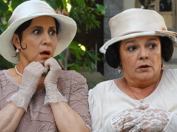 Dos Reis ficam chocadas com revelação de beata (Foto: Gabriela/TV Globo)