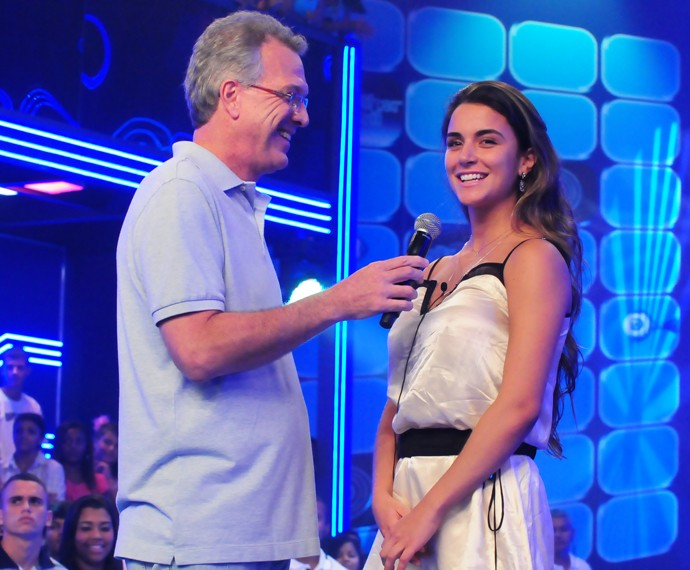 Laisa em conversa com Bial sobre sua eliminação do BBB12 (Foto: Globo / Frederico Rozário)