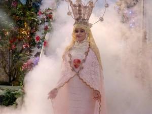 Nossa Senhora é encarnada por Nenê (Marieta Severo) (Foto: A Grande Família/TV Globo)