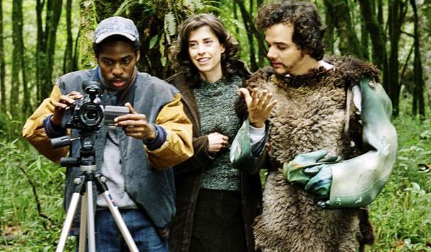 Lázaro Ramos ao lado de Fernanda Torres e Jorge Furtado nas gravações de 'Saneamento Básico' (Foto: Divulgação)
