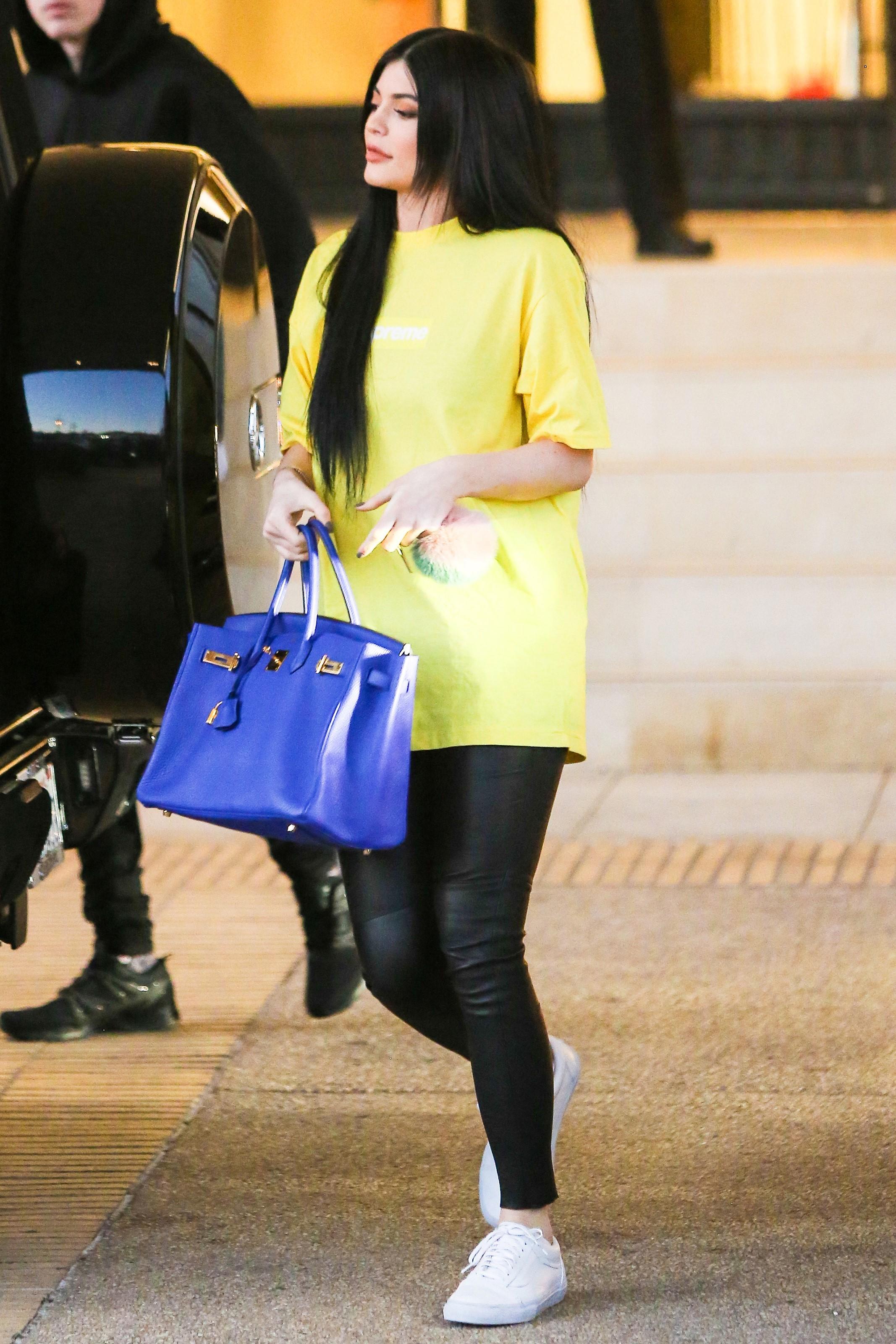 Kylie Jenner e sua Birki (Foto: AKM-GSI)