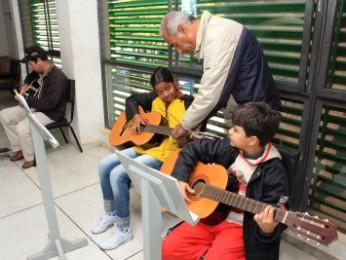 Inscrições para oficina de violão abrem na segunda-feira (20) (Foto: Divulgação/Prefeitura de Umuarama)