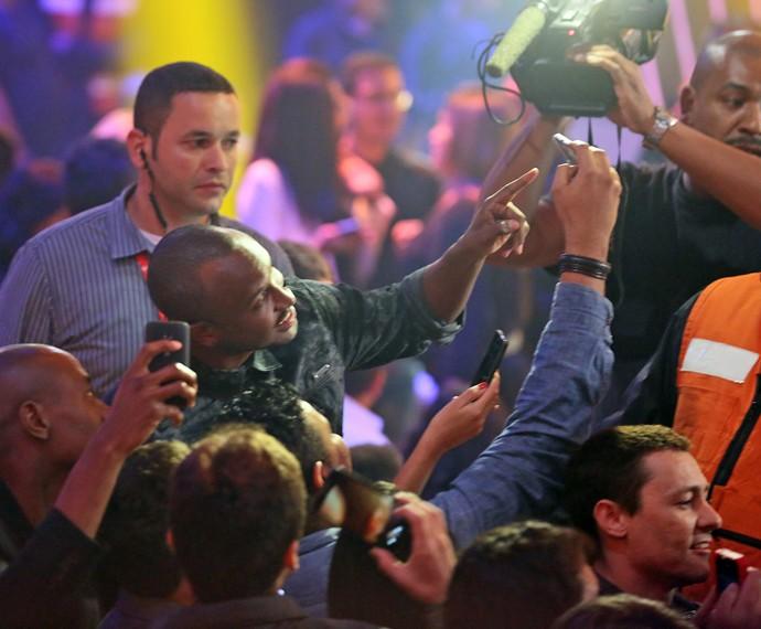 Mais selfies com a plateia do SuperStar. Quem não foi, está só no recalque (Foto: Isabella Pinheiro/Gshow)