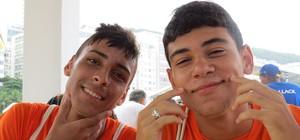 'Copiados' por Neymar, jogadores do Santos PNI abusam do estilo (Daniel Cardoso (Globoesporte.com))