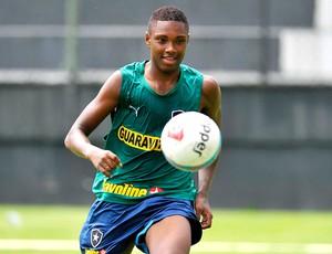 Vitinho no treino do Botafogo (Foto: Fábio Castro / Agif)