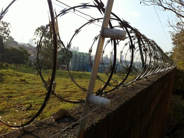 Comunidade reivindica incorporação de um terreno privado sem construções através da Lei de Zoneamento (Foto: Vivian Reis/G1)