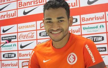 """Após título no Palmeiras, Jackson se vê """"maduro"""" e busca espaço no Inter"""