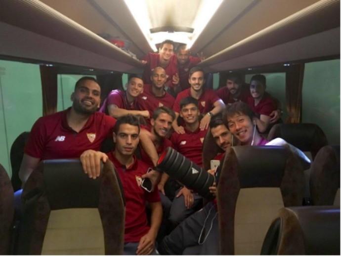 BLOG: Jogadores do Sevilla comemoram empate com o Juventus na Champions League