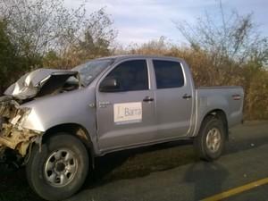 Veículos transportava funcionários da Secretaria de Saúde; nenhum passageiro ficou ferido (Foto: blogbraga / Edivaldo Braga)