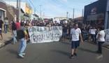 Cerca de 300 estudantes e moradores protestam contra reformas do governo em Hortolândia
