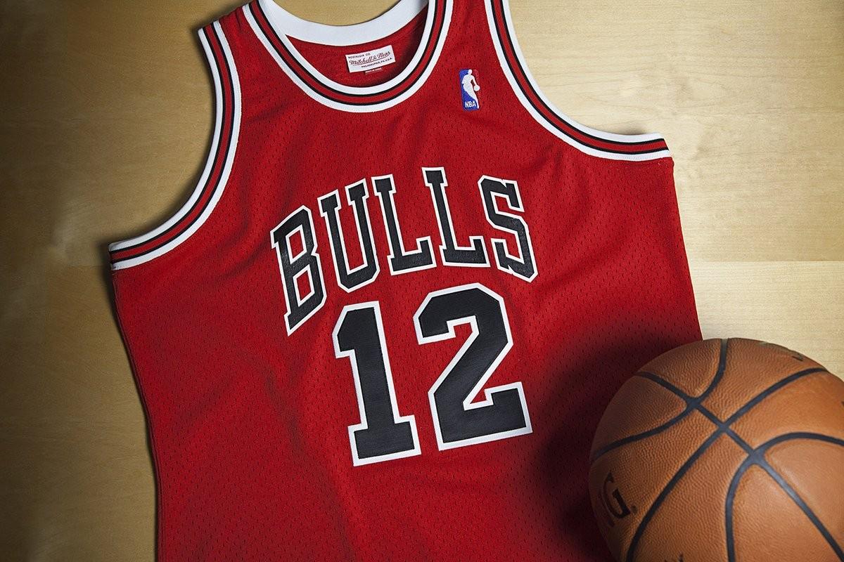 a6d17d99118 Camisa rara número 12 usada por Michael Jordan (Foto  Divulgação)