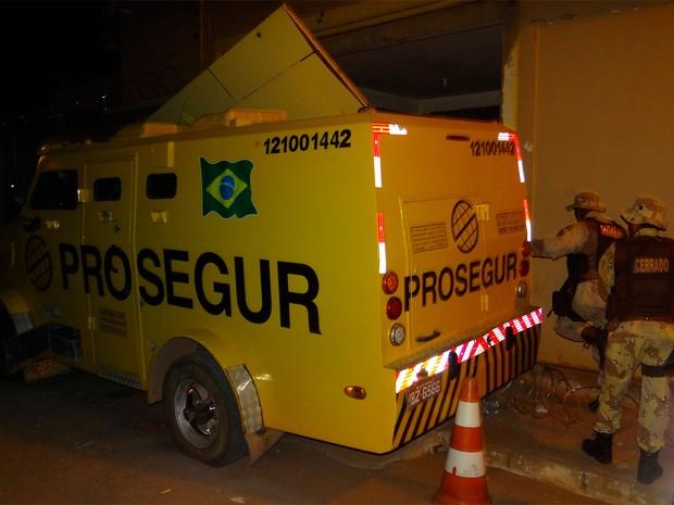Empresa de segurança é alvo de bandidos em Barreiras (Foto: Blog Sigi Vilares)