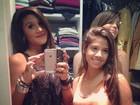 Filha de Marcos Paulo posa com amigas dentro de closet
