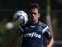 "Suspenso, Lucas quer energia positiva e aposta em título do Palmeiras: ""2 a 0"""