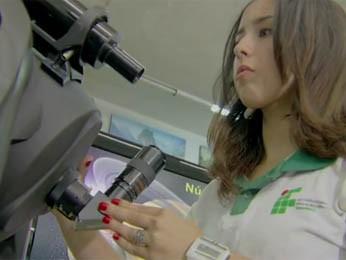 Larissa foi selecionada para a Olimpíada mundial com outros 4 brasileiros (Foto: TV Reprodução)