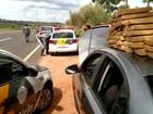 Polícia Rodoviária apreende maconha em carro do Paraguai