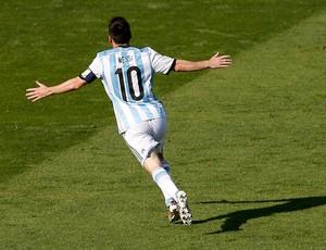 Messi gol Argentina x Irã (Foto: Reuters)