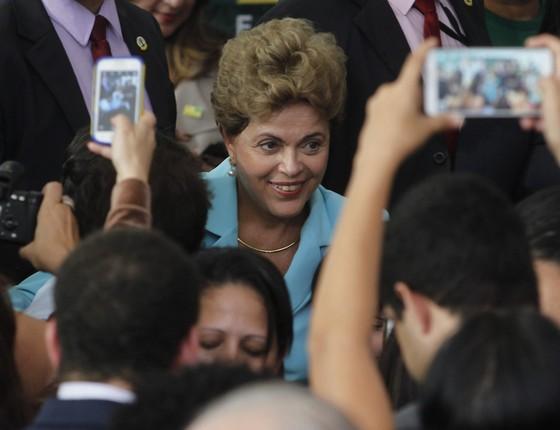 A presidente Dilma Roussef, após cerimônia de sanção do Estatuto da Pessoa com Deficiência, nesta segunda-feira (6) (Foto: Givaldo Barbosa / Agência O Globo)