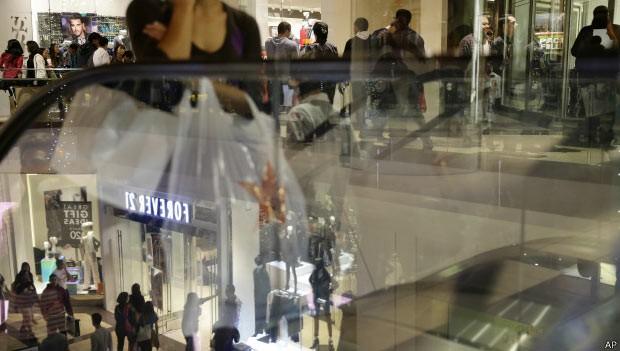 'Rolezinhos' são realidade há anos em shoppings dos EUA (Foto: AP)