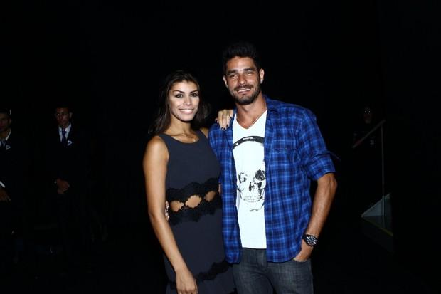 Ex-BBBs Franciele e Diego no Fashion Rio (Foto: Raphael Mesquita / Foto Rio News)