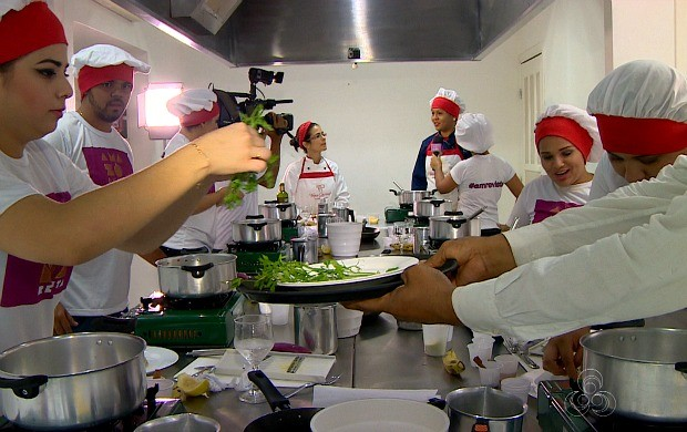 Equipe do Amazônia Revista fez a festa na cozinha, com duas receitas para o fim de ano (Foto: Amazônia Revista)