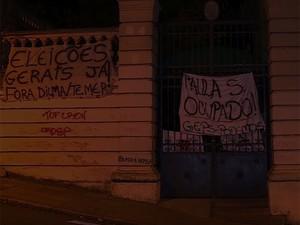 Escola ocupada em Porto Alegre (Foto: RBS TV/ Reprodução)