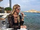 Bárbara Evans se despede da Grécia com look decotado