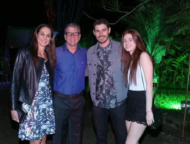 Fernanda Venturini, Bernardinho, Bruninho e Julia Rezende (Foto: Anderson Borde/Agnews)