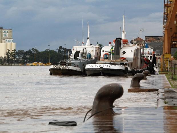 Água do Guaíba invadiu o Cais Mauá, em Porto Alegre (Foto: Luciano Lanes/PMPA)