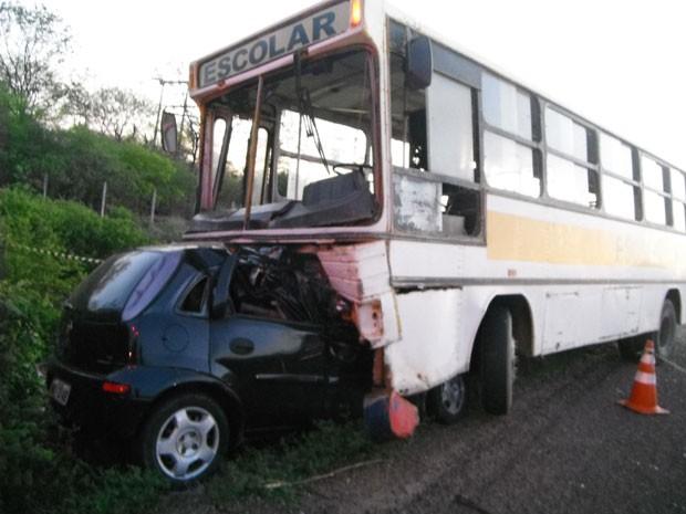 Quatro pessoas morreram em acidente na BR-316, em Ouricuri (Foto: Divulgação/Corpo de Bombeiros)