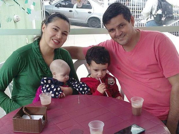 Gabriela Silva Gabi Ituiutaba família leucemia criança tratamento São Paulo (Foto: Queila Gomes/ Arquivo Pessoal)