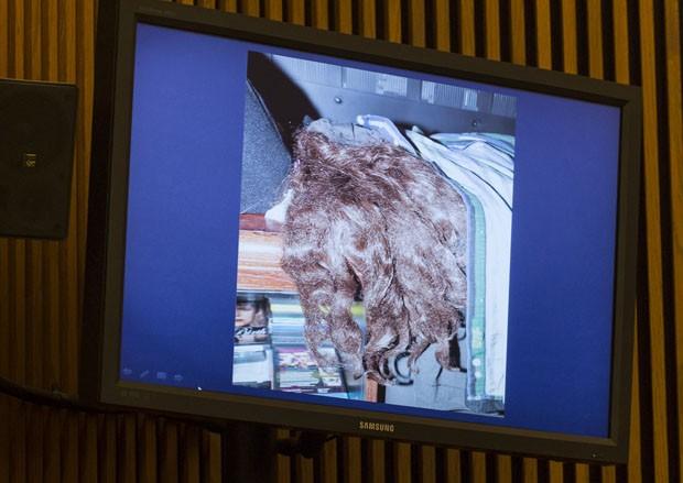 Foto mostra uma peruca que Ariel Castro obrigava as sequestradas a usar (Foto: Angelo Merendino/Getty Images/AFP)
