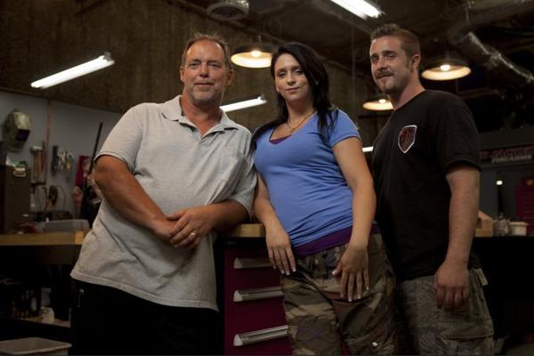 O empresário Will Hayden com seus funcionários na série Sons of Guns (Foto: Reprodução)
