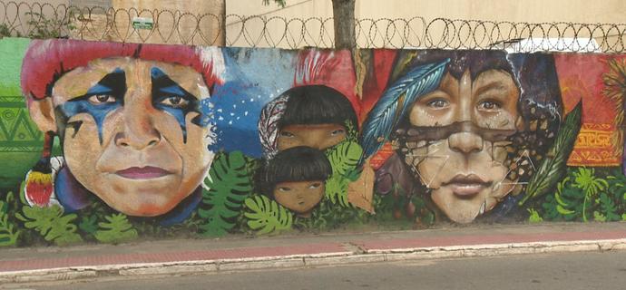 Liam e Starley bateram um papo sobre graffiti realista com o 'EMME' (Foto: Divulgação / TV Gazeta ES)
