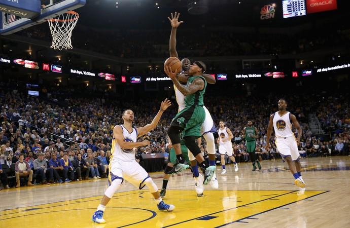Stephen Curry e Isaiah Thomas Warriors x Celtics NBA (Foto: Getty)