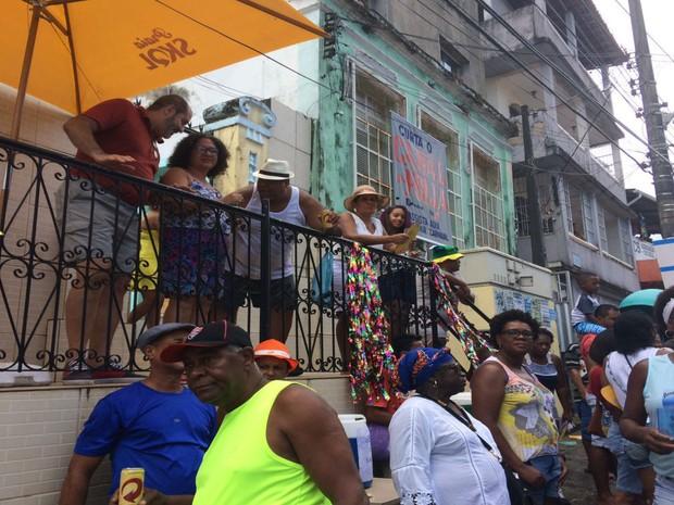 Varandas foram transformadas em camarotes para curtir a Mudança do Garcia  (Foto: Rafael Teles / G1)