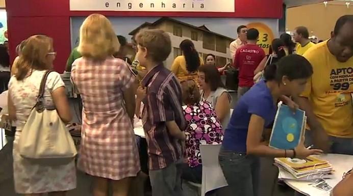 Feirão da Caixa movimenta comércio em Manaus (Foto: Bom dia Amazônia)