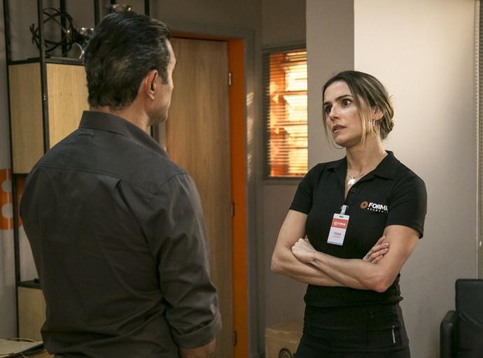 Os dois discutem na sala do empresário (Foto: Isabella Pinheiro/Gshow)