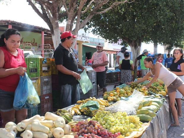 Comércio em São João do Arraial (Foto: Catarina Costa/G1 PI)